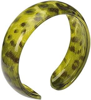 Vibrant Green Leopard Print Resin Bangle