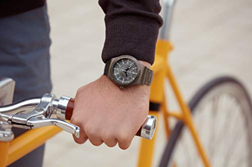 Swatch Hommes Analogique Automatique Montre avec Bracelet en Acier Inoxydable YIM400G