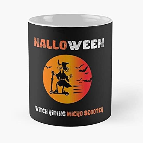 Funny Witch Riding Micro Scooter T - Tazas de café blancas de 11 oz, 15 oz de cerámica