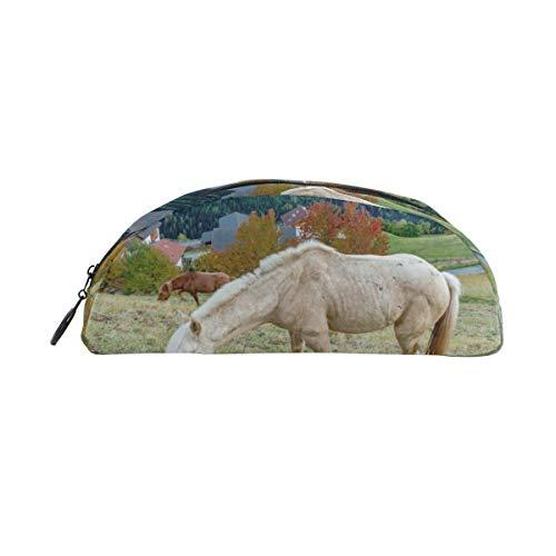 Horses Graze On The Hillside Stifteetui, für Kinder, große Kapazität, für Make-up, Kosmetik, Box, Büro, Reisetasche