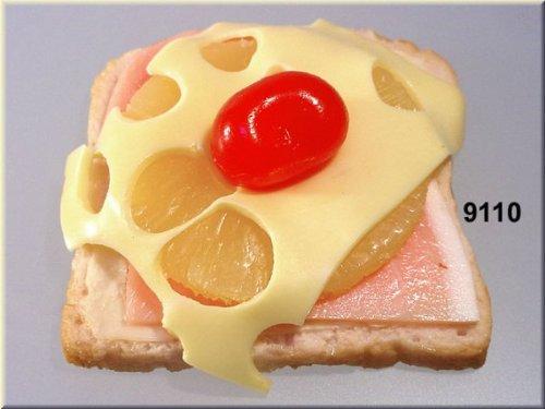 ERRO Toast Hawaii Fooddummy, Hawaitoast Attrappe, Fake Food, Geschenkidee, Witzgeschenk, tolles