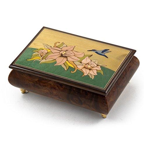 MusicBoxAttic Caja de música Hecha a Mano con Incrustaciones de Tema Tropical con diseño de colibrí y Flores, más de 400 Opciones de Canciones, 159. Here Comes The Sun