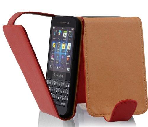 Cadorabo Hülle für BlackBerry Q5 - Hülle in Inferno ROT – Handyhülle aus Strukturiertem Kunstleder im Flip Design - Hülle Cover Schutzhülle Etui Tasche