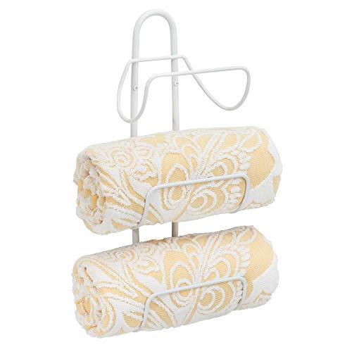 mDesign Estante toallero para montar en la pared – Estantería de baño en metal con 3 soportes – Elegante toallero de pared para guardar toallas de baño, de mano o manoplas – blanco