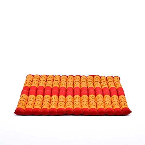Leewadee Zabuton - Tapis Zabuton Traditionnel Enroulable et Fait à la Main, Yoga Mat épais rembourré en kapok, 69 x 78 cm, Orange Rouge