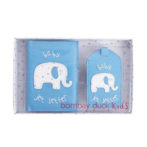 Bombay Duck - Baby Jet Setter - blau Pass-Etui / Deckel & Kofferanhänger Geschenkset - bedruckt Kunstleder