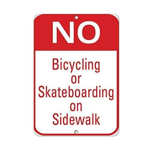 aqf527907 Geen Fietsen Of Skateboarden Op Sidewalk Verkeerswaarschuwing Teken Grappige Metalen Tekenen en Plaque voor Huis Gate Decor 8x12 Inches