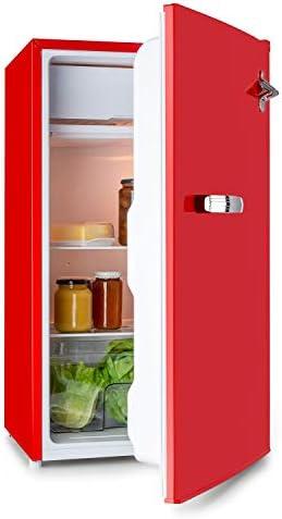 Klarstein Beercracker 90L – Nevera de 90 litros, eficiencia energética clase F, incluye congelador, cajón para verduras, 3 compartimentos en la puerta, abrebotellas, 2 baldas de vidrio, rojo