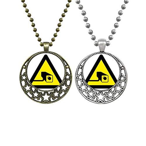 Símbolo de advertencia amarillo negro cámara triángulo amantes collares colgante retro luna estrellas joyería