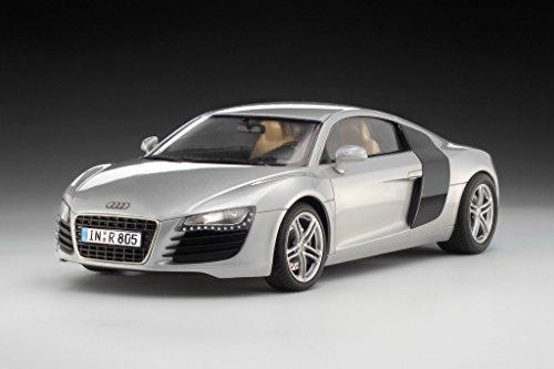 Revell Modellbausatz Auto 1:24 - Audi R8 im Maßstab 1:24, Level 4, originalgetreue Nachbildung mit vielen Details, 07398