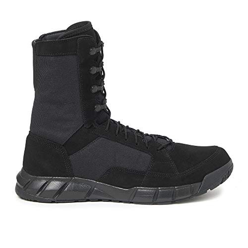 Oakley Men's Blackout Leather Light Assault Boot 2 with Nylon Laces Lock System and Breathable Synthetic Material, Size 10.5