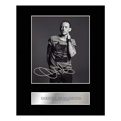 Signiertes Foto von Eminem mit Passepartout
