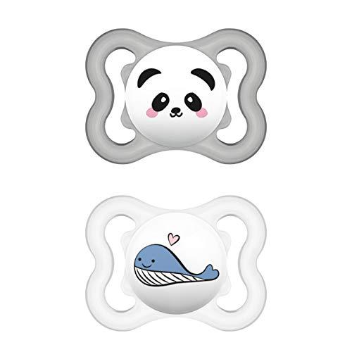 MAM Supreme Schnuller im 2er-Set, Babyschnuller für eine gesunde Zahn- und Kieferentwicklung, beugt Hautreizungen vor, mit Schnullerbox, 0-6 Monate, Panda/Wal