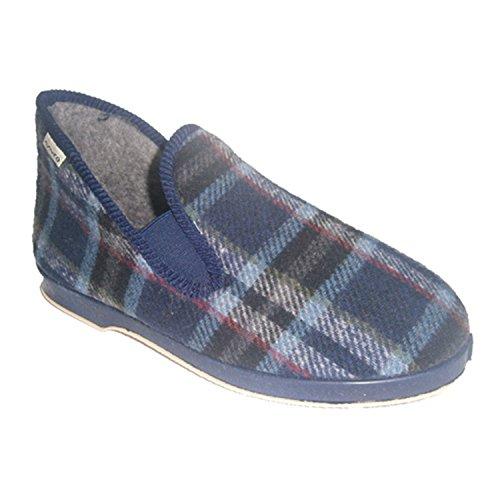 Schoen met hoge hak in blauw.