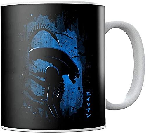 Taza de café de cerámica azul con perfil lateral Alien