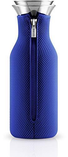 Eva Solo, 567966, Carafe en verre avec revêtement en filet, Acier Inoxydable, 1 litre, Fridge carafe, 3D Electric Blue, Bleu