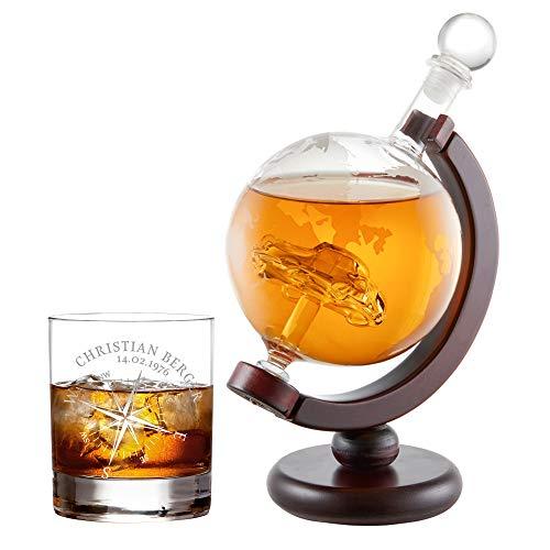 AMAVEL Whiskykaraffe Globus mit innenliegendem Segelschiff und 2 Whiskygläser mit Kompass Gravur, Personalisiert mit Namen und Datum Titelbild