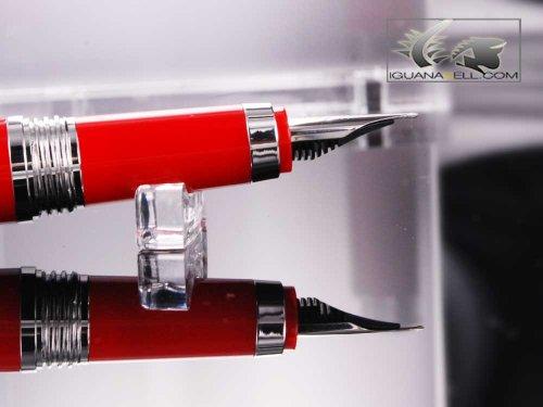 モンテグラッパパローラ万年筆(レッド樹脂,クロム装飾)ISWOT-AR-M