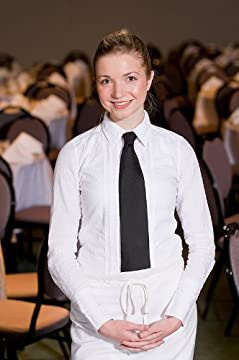 How to Make Money and Bigger Tips as a Waitress