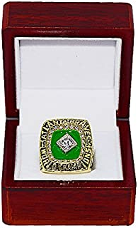 ATLANTA BRAVES (Tom Glavine) 1995 WORLD SERIES CHAMPIONS (The Team of the 90's) Rare & Collectible High-Quality Replica Baseball Gold Championship Ring with Cherrywood Display Box