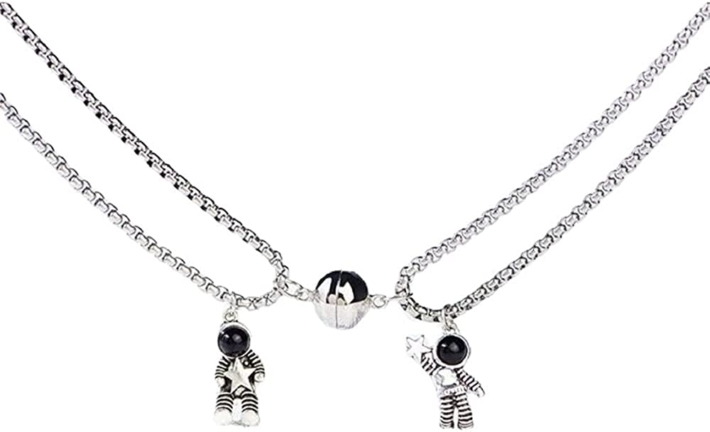 COLORFUL BLING 2 Pcs Mutual Attraction Couples Special Matching Necklaces Spaceman Pendants with Magnets Promise Astronaut Friends Gift Jewelry for Him and Her