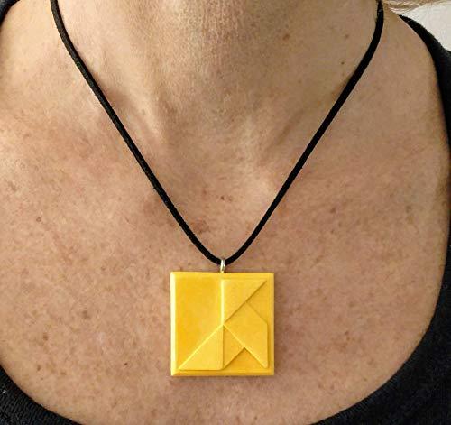 """Collar ajustable con """"Pajarita de papel"""" en estilo origami en resina cerámica, colgante con """"Pajarita de papel"""", Barcelona, diseño exclusivo"""