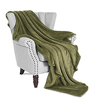 Exclusivo Mezcla Large Flannel Fleece Plush Soft Throw Blanket – 50  x 70   Olive Green