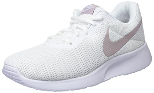 Nike Women's Tanjun Black/White Running Shoe 10 Women US