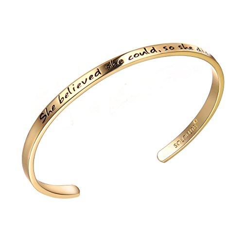 Solocute Gold Damen Armband mit Gravur She Believed she Could So she did Inspiration Frauen Armreif Schmuck