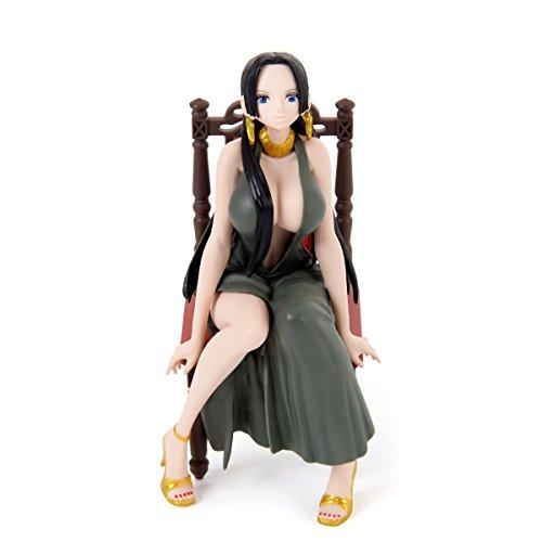 One Piece Figurine Boa Hancock Robe Grise 12 cm