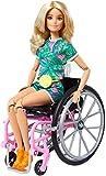 Barbie Fashionista Muñeca con silla de ruedas, rampa y accesorios de moda (Mattel GRB93)