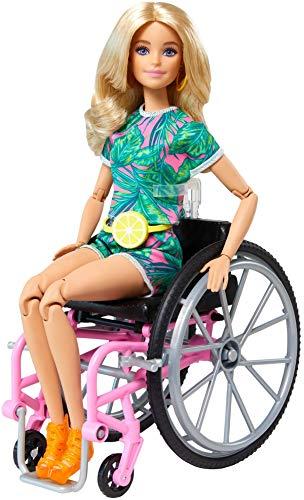 Barbie Fashionista Muñeca con silla de ruedas, rampa y accesorios de moda...