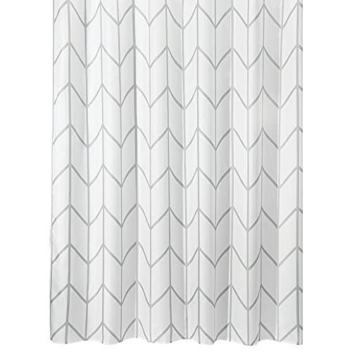 mDesign Duschvorhang aus Polyester – modernes Badzubehör für die Dusche – wasserabweisende Duschgardine im Fischgrätenmuster – 180 x 180 cm – grau & weiss
