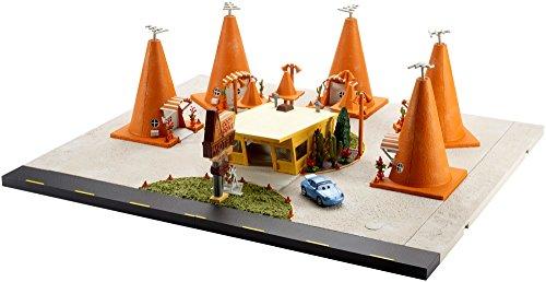 Disney Pixar Cars Sally's Cozy Cone Motel Playset