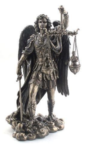 CAPRILO Figura Decorativa de Resina Bronce Arcangel San Miguel Resina Bronce.Adornos y Esculturas. Regalos Originales. Decoración Hogar.27 x 15 x 12 cm.