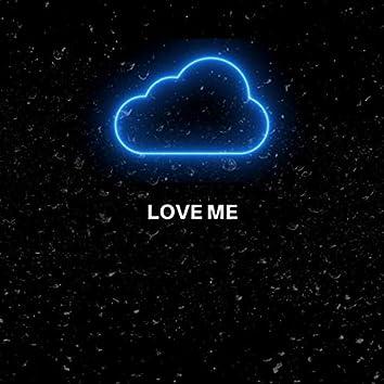 Love Me (feat. Devaroux)