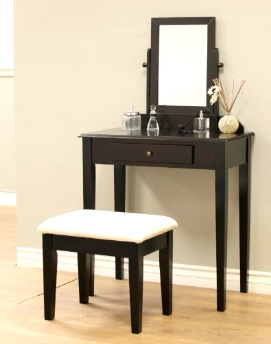 7. Frenchi Furniture Makeup Vanity Set