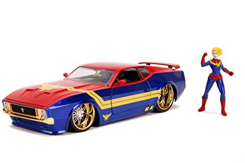 Jada Toys 253225009, 1973 Ford Mustang Mach, Spielzeugauto, Türen, Kofferraum, Motorhaube zum Öffnen, inkl. Die-cast Captain Marvel Figur, Maßstab 1:24, blau/rot/gelb