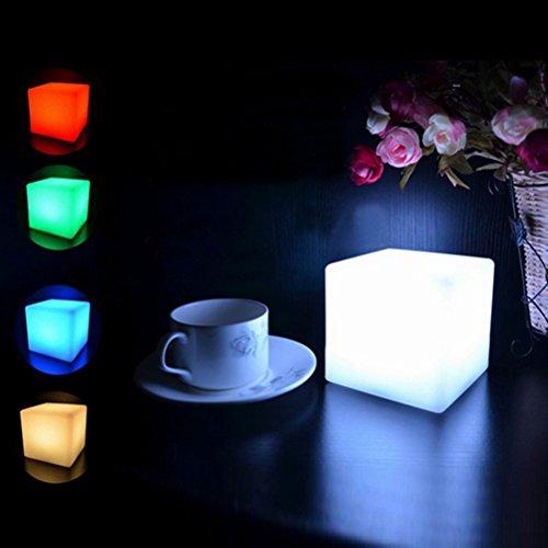 OULII Lampe de LED Cube Lumineux Multicolore sans Fil Nuit, Noël Anniversaire Cadeau (à Piles)