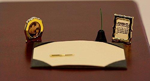 Chrysnbon Miniatures Dollhouse Miniature Desk Set