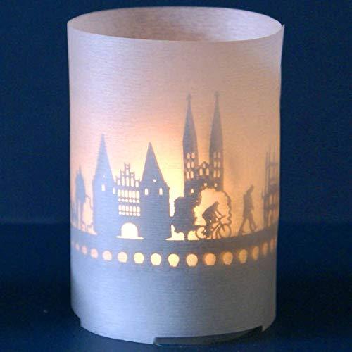 Lübeck-Skyline Windlicht Souvenir in der Geschenk-Box, 3D Edelstahl Aufsatz für Kerze inkl. Kerze, Projektionsschirm