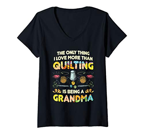 Womens Quilting Sewing Machine Funny Sew Grandma Sewer Quilter V-Neck T-Shirt