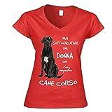 12Print T-Shirt Donna a V: Mai Sottovalutare Una Donna con Il Suo Cane Corso. Colore Rosso Taglia M