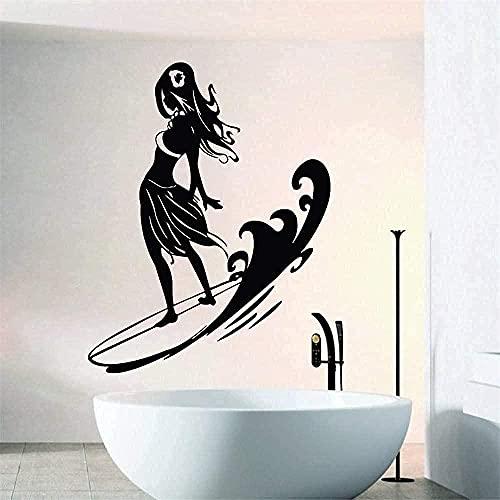 Etiqueta engomada del arte de la pared Calcomanía de vinilo para pared Chica fresca de pie en la tabla de surf Familia Sala de estar Serie deportiva Juego de surf 5 6x56cm