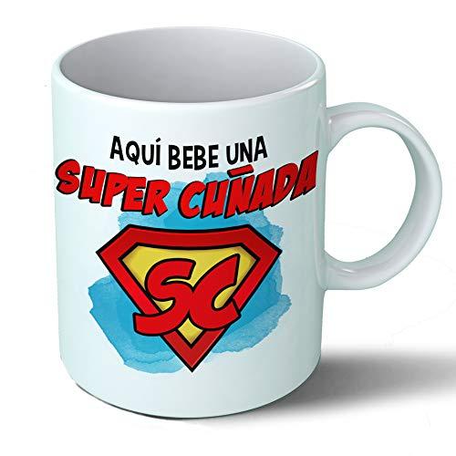 Planetacase Taza Cuñada - Aquí Bebe Una Super Cuñada - Regalo Original Cuñadas Supercuñada Familia Taza Desayuno Café Ceramica 330 mL