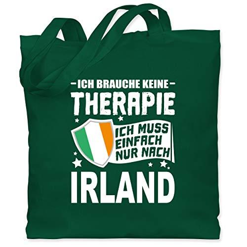 Shirtracer Länder - Ich brauche keine Therapie Ich muss einfach nur nach Irland - weiß - Unisize - Dunkelgrün - Fernweh - WM101 - Stoffbeutel aus Baumwolle Jutebeutel lange Henkel