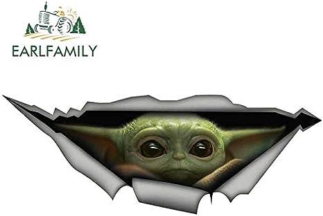 Fafpay Autoaufkleber 13 Cm X 6 1 Cm Baby Yoda Auto Aufkleber Zerrissen Metall Aufkleber Reflektierende Aufkleber Wasserdicht 3d Auto Styling Star Wars Aufkleber Stil A Auto