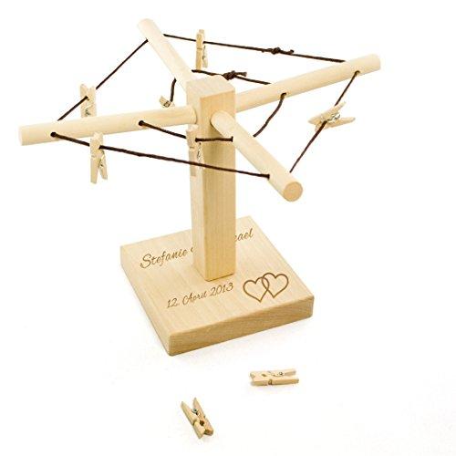 Casa Vivente Wäsche-Spinne aus Holz, Mit Gravur zur Hochzeit, Motiv Herzen, Personalisiert mit Namen und Datum, Deko, Verpackung für Geldgeschenke