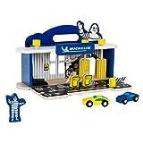Theo Klein 3403 Estación Michelin Service con 2 Coches de Madera I Incluye Plataforma elevadora,...