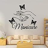 Manicura Arte Salón de uñas Maquillaje Hermoso modelo Manos de niña Mariposa Logotipo Etiqueta de...